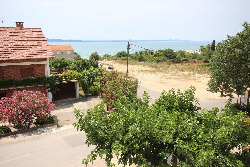 sea view (house and surroundings)