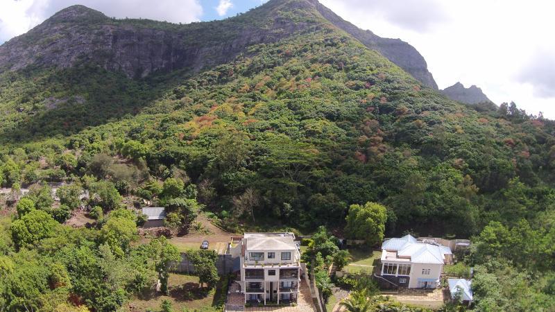Joubarbe Residence - 1-Bedroom Apt near Bagatelle, location de vacances à Moka District
