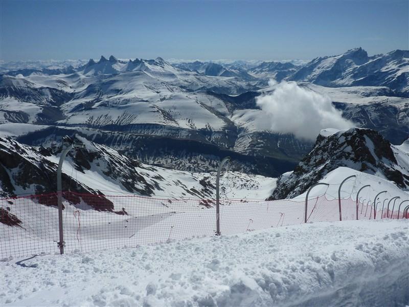El descenso de la partida Sarenne pista (16 km) a 3330 m