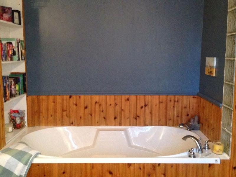 planta alta baño dispone de bañera de hidromasaje.