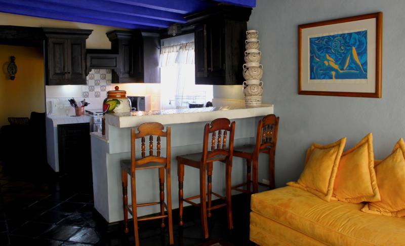 La Casa de Laura Apts/Suites 'El Rey de Chocolate', holiday rental in El Santuario