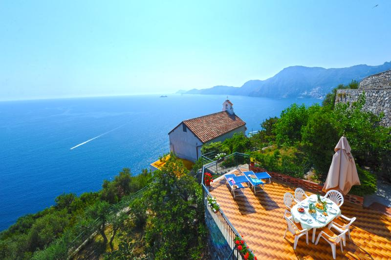 'Villa Horizon' has the best view of Amalfi coast !!!, vacation rental in Praiano