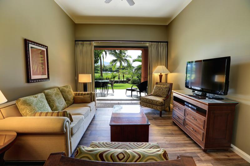 GoVisitMaui presents K112 at Honua Kai  - Ground Floor with private garden, location de vacances à Ka'anapali