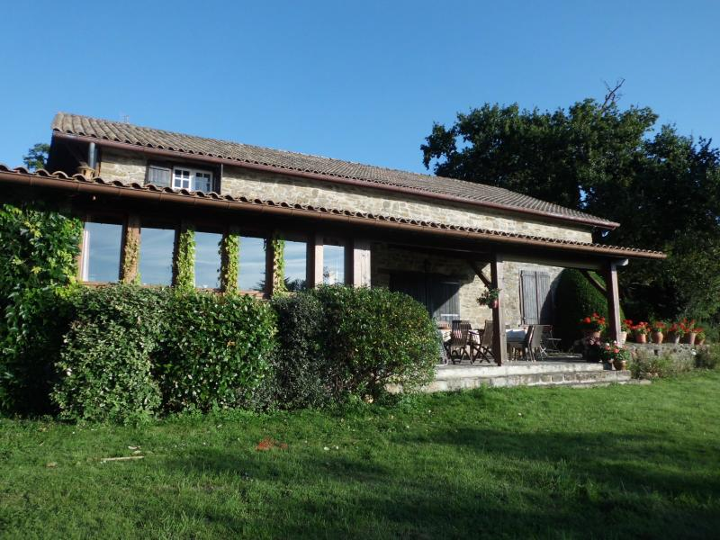 Cosy Mountain Home, holiday rental in Bunus