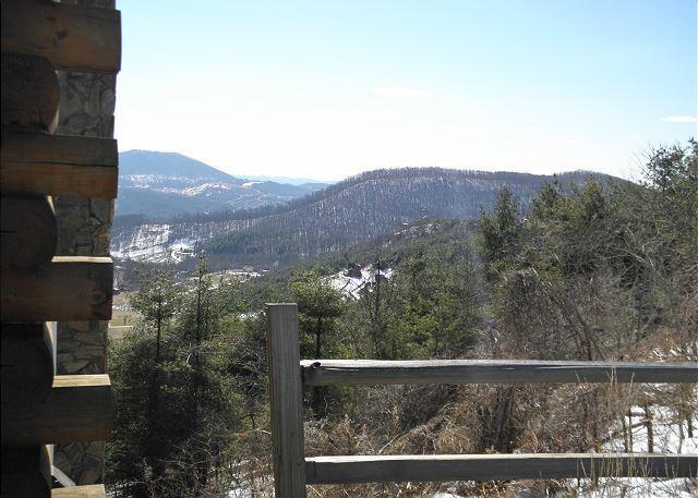 NOW BOOKING! ABSOLUTE HIGH-Panoramic Mtn Views, Foosball & Flat Screen TV., location de vacances à Jefferson ouest