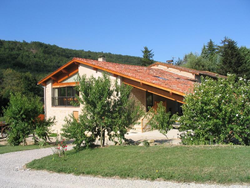 Chambres d'Hôtes La Bourdasse commune de LOUBENS, location de vacances à Madière
