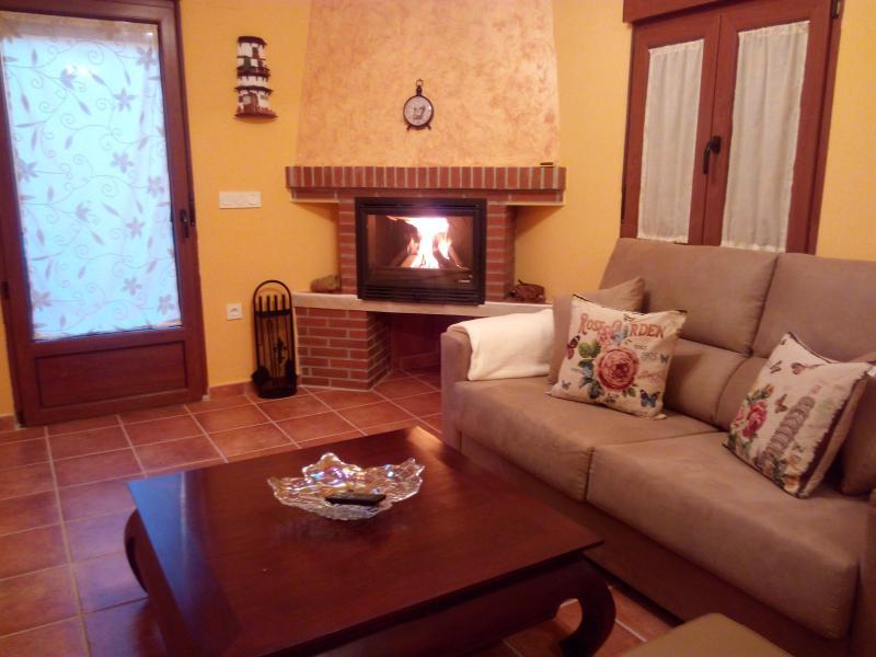 Alquiler Casa Rural en Segovia El Abuelo Anselmo, vacation rental in Rascafria