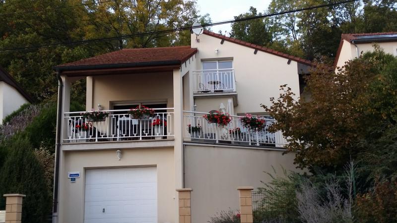 GITE DE CHARMES, holiday rental in Arc-en-Barrois