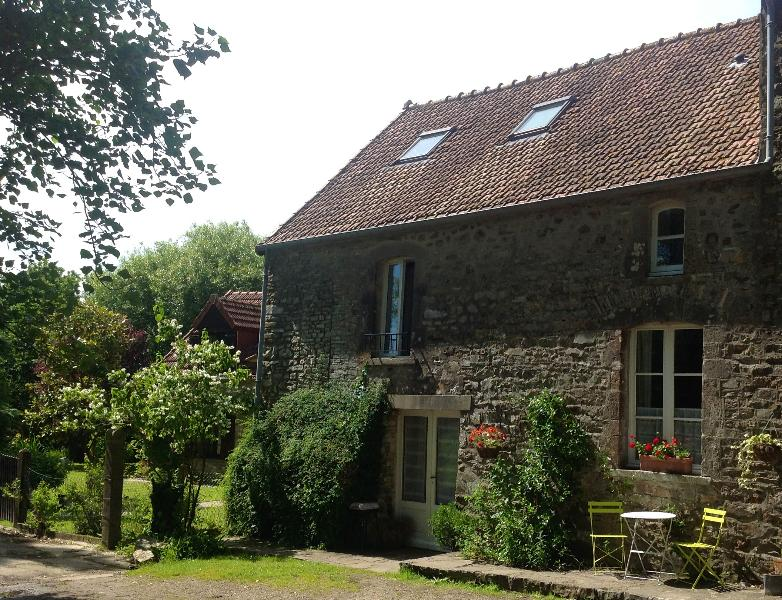Jasmin Cottage, La Ferme de  l'Eglise - Heated pool from 2017, vacation rental in Pretot-Sainte-Suzanne