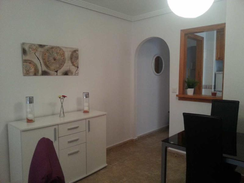 2 Bedrooms apartment near Shops and Friday Market, vacation rental in Torrevieja