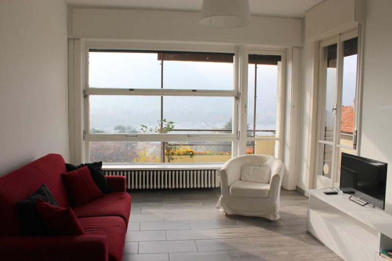 Exclusive apartment with Como city view, holiday rental in Como