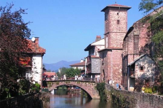 Ressourcez vous au coeur du Pays Basque, vacation rental in Mauleon-Licharre