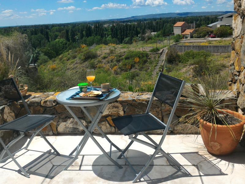 Casa Laderas de Chacras de Coria Mendoza, vacation rental in Province of Mendoza