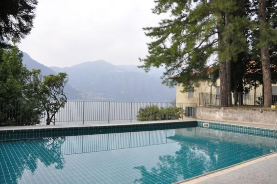 Casa Cecilia with  Lake view and Swimmingpool, alquiler vacacional en Nesso