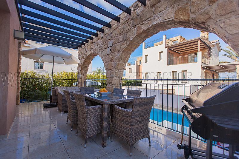 Simila-Chypre - prix et disponibilité, cliquez sur les liens ci-dessous - Réservez tôt !