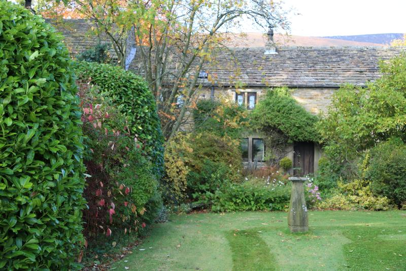 Luxurious self-catering for five in Hope Valley., holiday rental in Edale