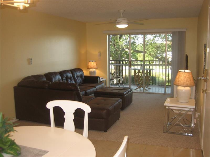 Sarasota 2BR 2BTH Condo Close to Siesta Key Beach, holiday rental in Sarasota