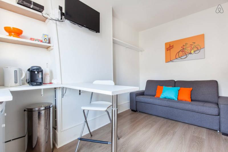 Charmant studio centre Paris 15min, location de vacances à Hauts-de-Seine