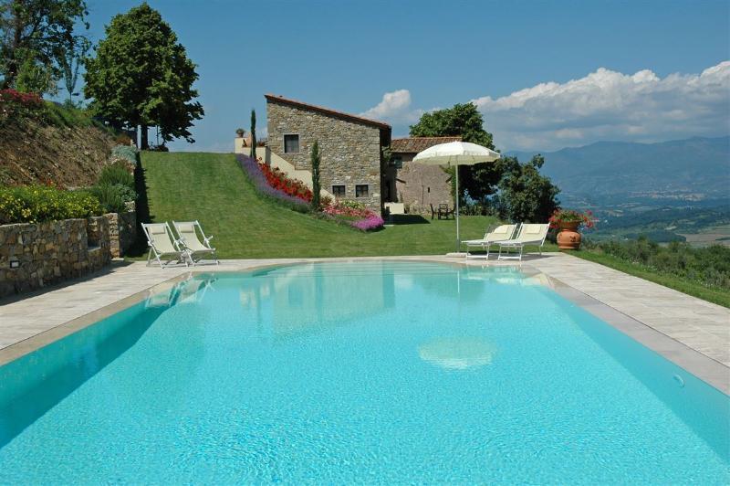 Chianti Villa , Florence, Siena, Arezzo, Tuscany, holiday rental in Castelnuovo dei Sabbioni