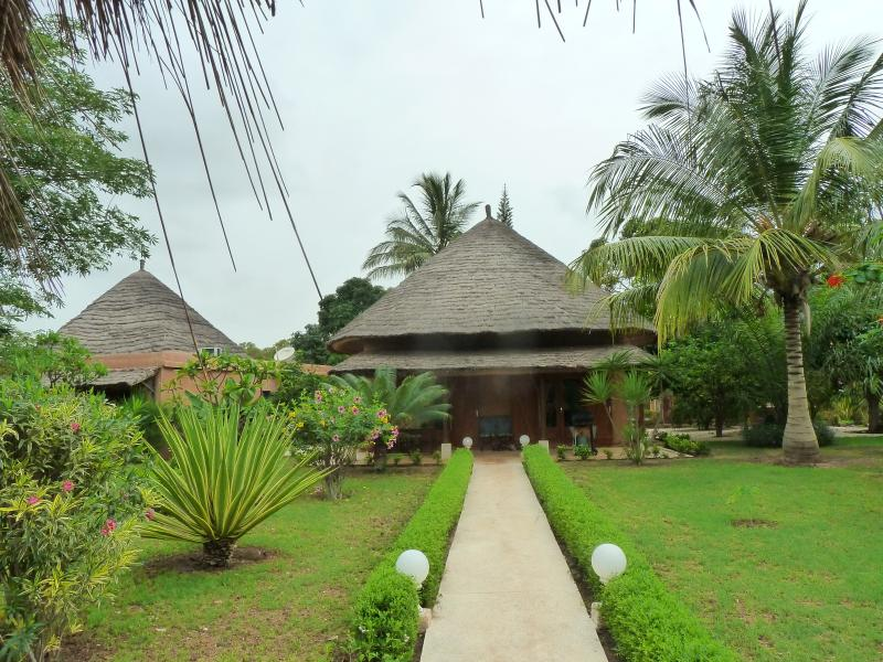 Villa accueillante à Saly, proche Océan (50m), aluguéis de temporada em Mbour