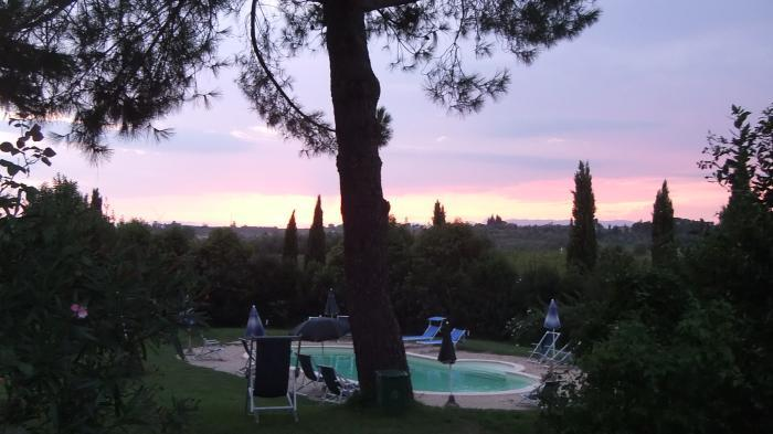 Colonia 2 , Delux apartment in vinci, holiday rental in Vinci