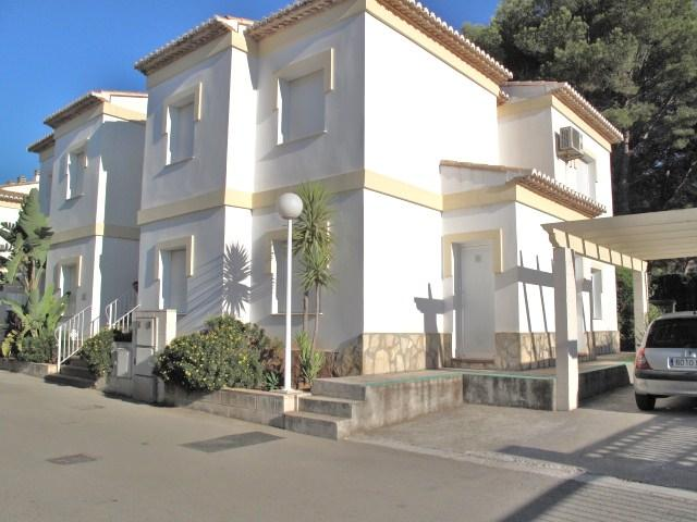 Ground floor apartment with allocated parking