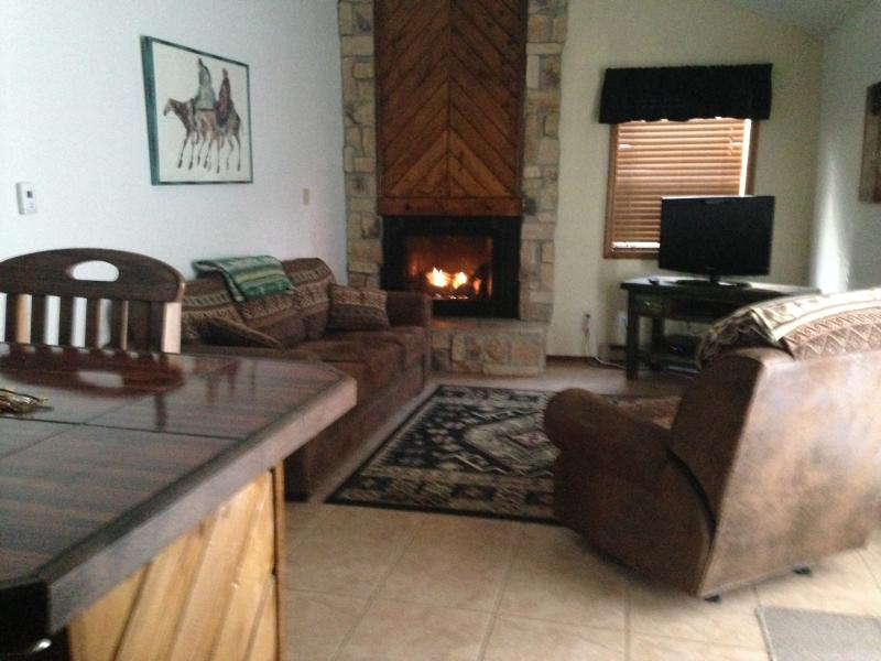 Timberline Condo Top Floor, vacation rental in Angel Fire