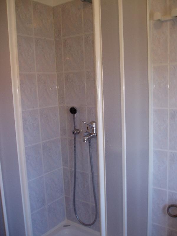 A33(2+2): bathroom with toilet