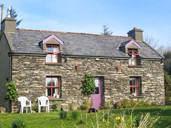 MUDFLAT, pet-friendly cottage, open fire, lawned garden, Goleen Ref 928151, alquiler de vacaciones en Crookhaven