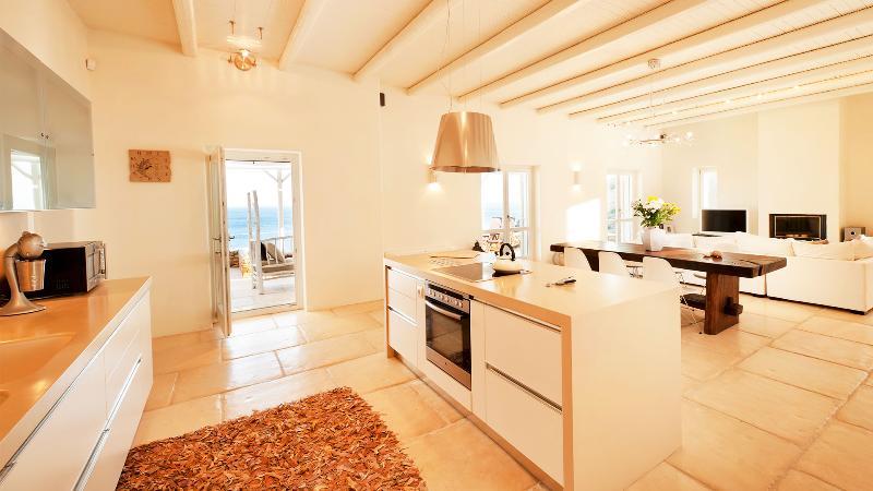 | Athina Ios Villa | Luxury Villa in Ios Island