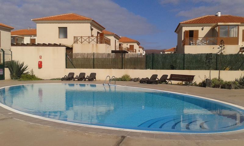 piscina comunitaria /communal swimming pool