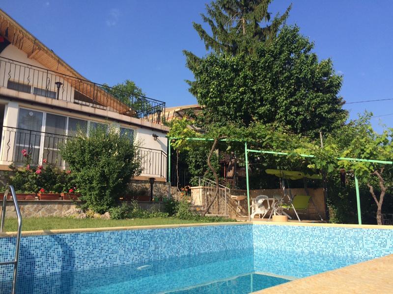 Villa fleurie Balchik, aluguéis de temporada em Albena