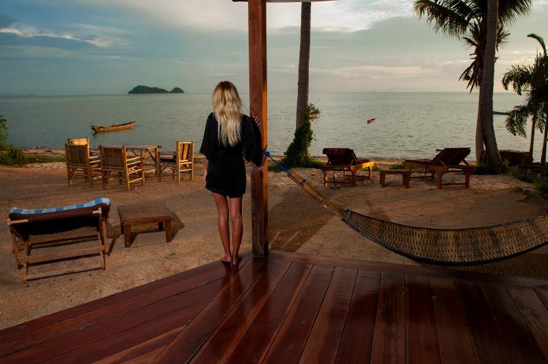 Gecko Beach Villas (One bedroom), Hin Kong Beach. Koh Phangan, holiday rental in Ko Pha-ngan