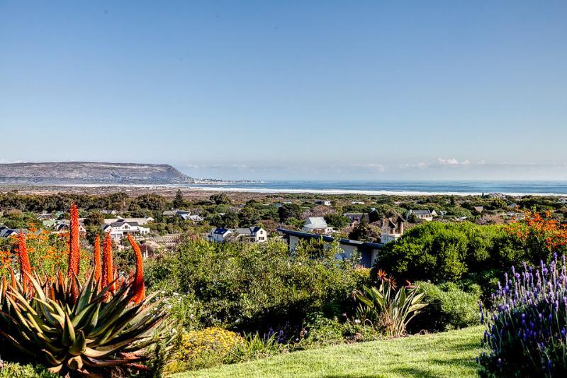Chapman's View Villa - jardin avec vue sur la mer