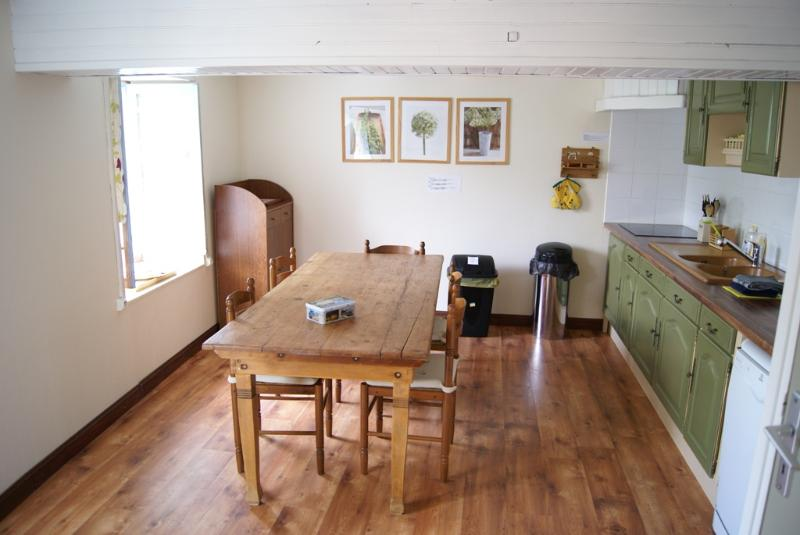 Spacious holiday home in South-West France, holiday rental in Reignac