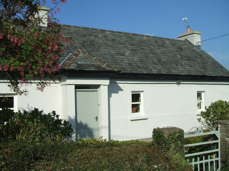 Quaint country cottage located on The Lough Derg Way.