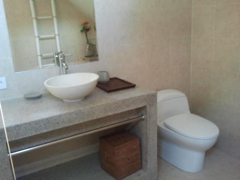 En-suite bathroom Empat