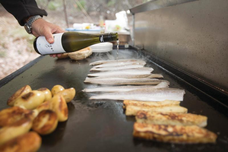 Sizzle up some King George Whiting on the BBQ at sunset. Tourism Australia.