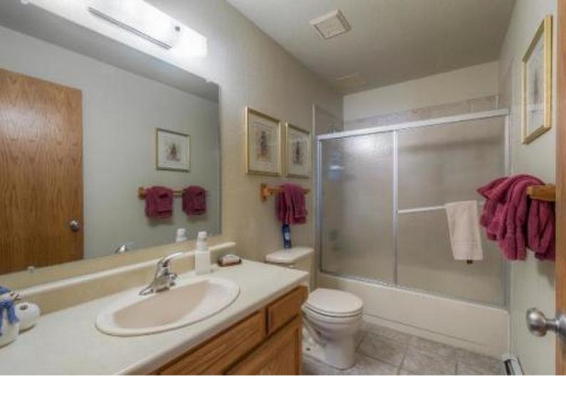 Master bath room.