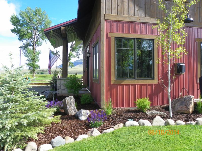 Garrison's Big Hole River Ranch - Liars Lodge, holiday rental in Melrose