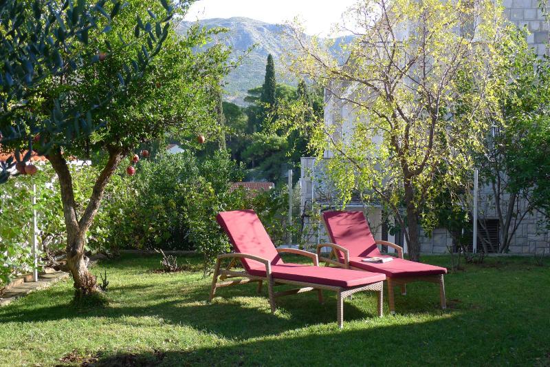 Villa Nona APT 3 - 6 pax, 90 sqm, sea view, garden, alquiler vacacional en Konavle