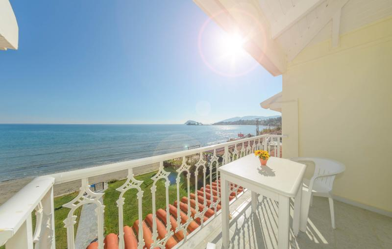 Two-Bedroom Apartment with Sea View 1, holiday rental in Laganas