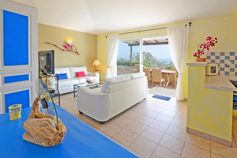 Alquiler 4/5 pers vistas, mar en calma, Spa, calefacción patio piscina, SPA,