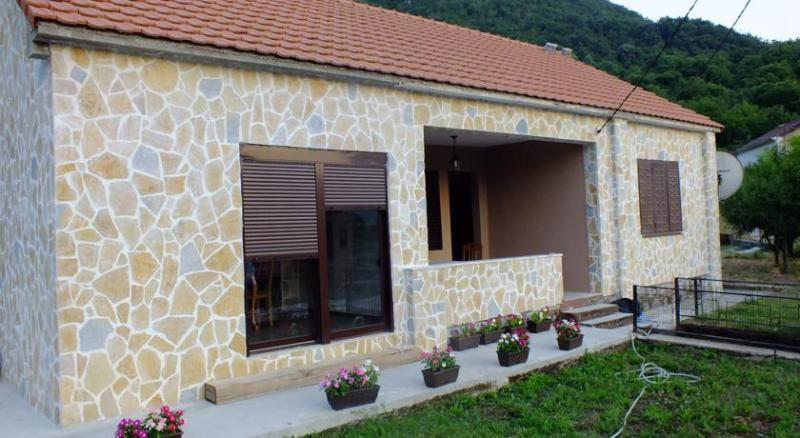 Holiday Home Ivana, holiday rental in Bar Municipality