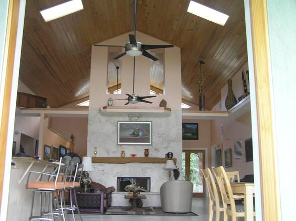SPACIOUS  WATERFRONT HOME ON PRIVATE 2 ACRES, holiday rental in Sebastian
