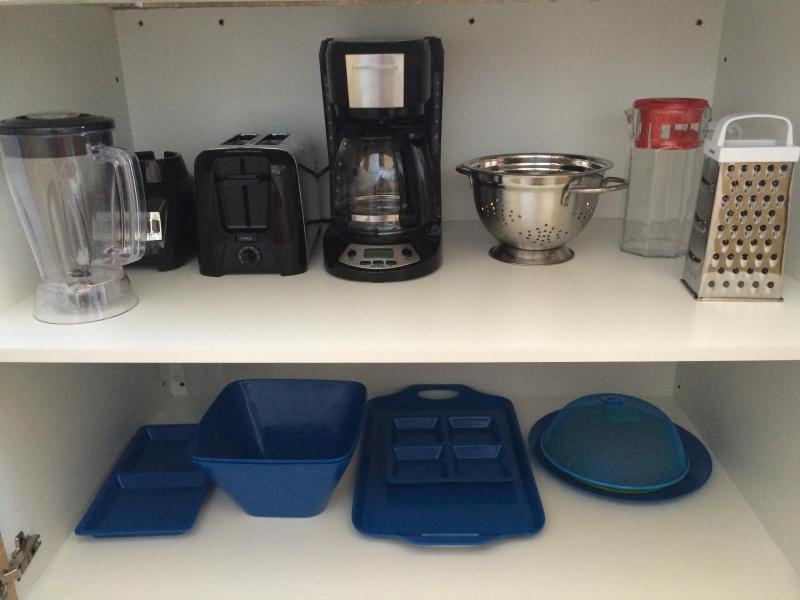 Small Appliances and Serving Dishes