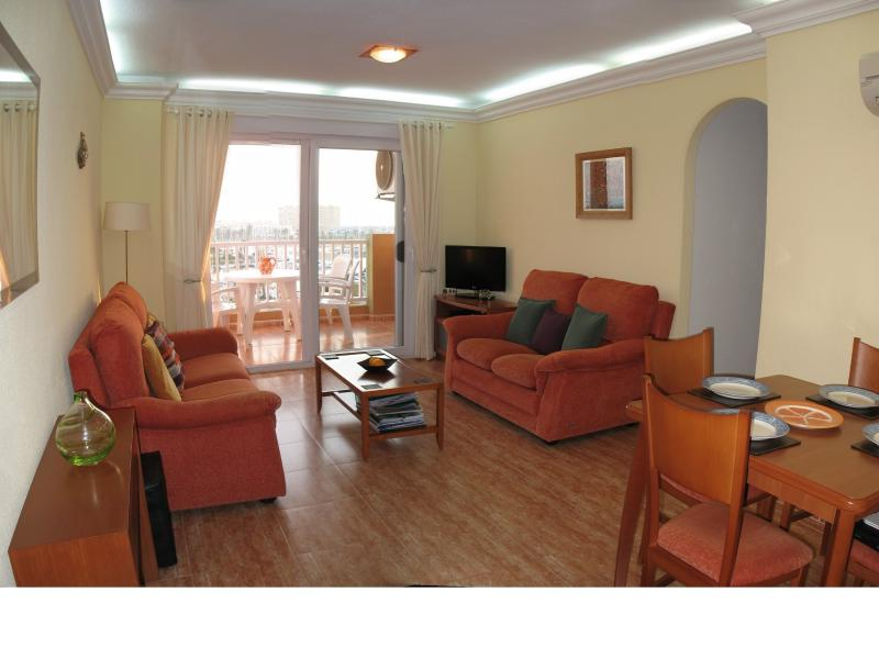 Lounge with aircon overlooking marina, Mar Menor and Med