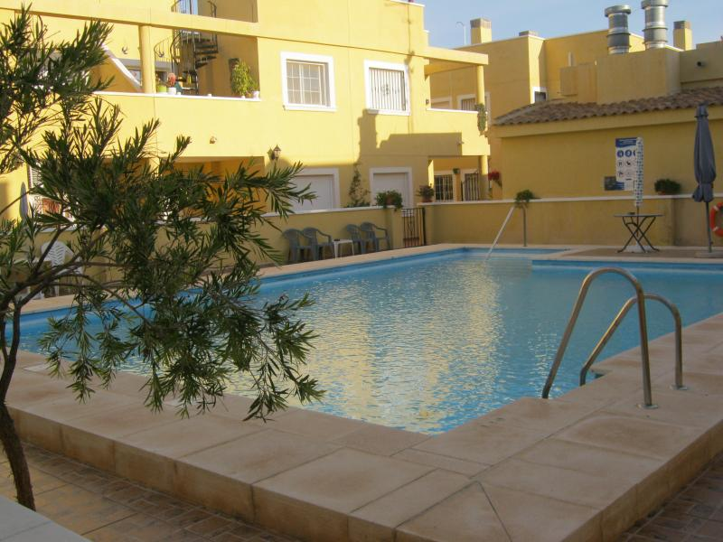 Lovely Two bedroom Apartment in Palomares with Wonderful Sea and Mountain views, location de vacances à Vera