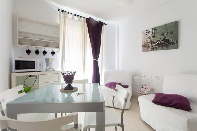 Enjoy the old town and the beach, holiday rental in San Isidro de Albatera