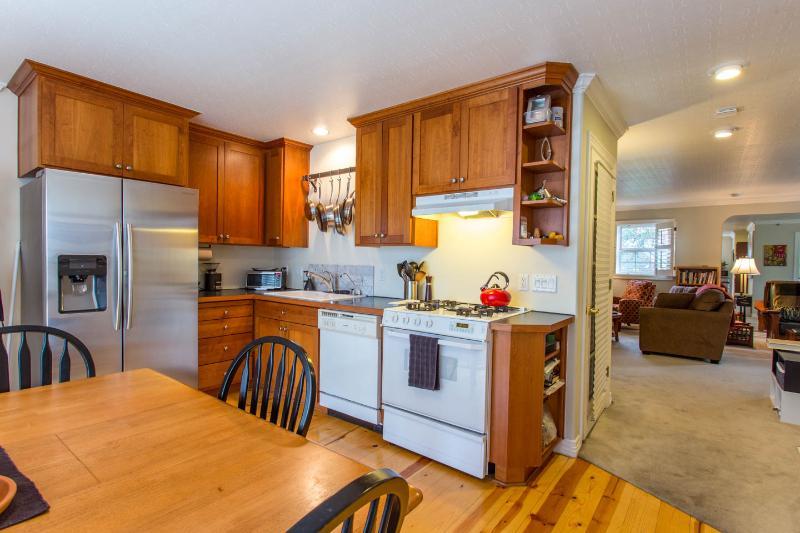 Kitchen to Sitting area